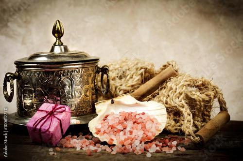 Fotografía  pink himalayan spa for spa treatments