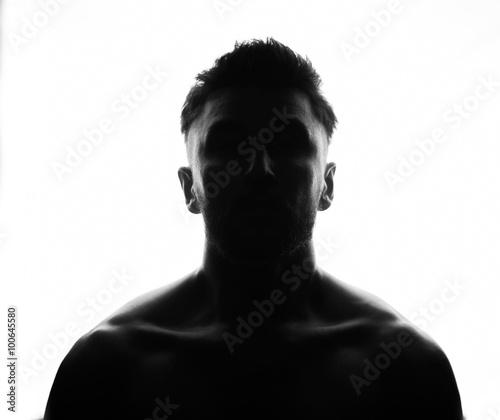 Fotografía  Hidden face in the shadow.male silhouette.