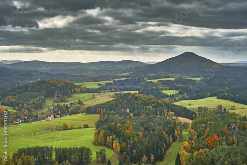 Spoed Foto op Canvas Khaki View of the autumn landscape