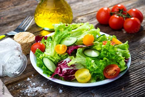 Fototapeta Fresh mixed salad obraz na płótnie