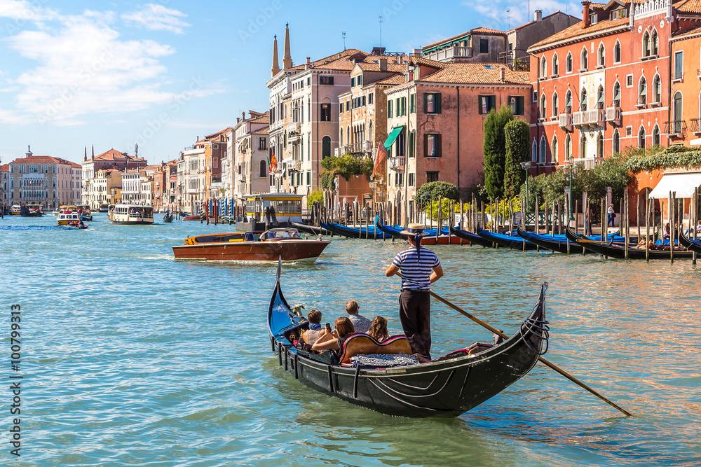 Fototapety, obrazy: Gondola on Canal Grande in Venice