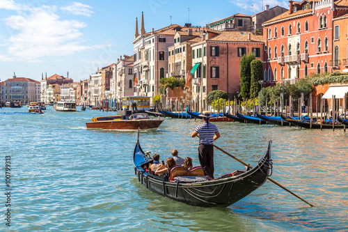 Photo sur Toile Gondoles Gondola on Canal Grande in Venice