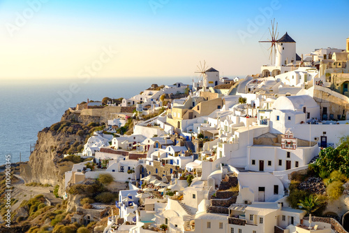 Fototapety, obrazy: View of beautiful village of Oia with whitewashed and colorful h