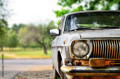 An old soviet car © Giddrid