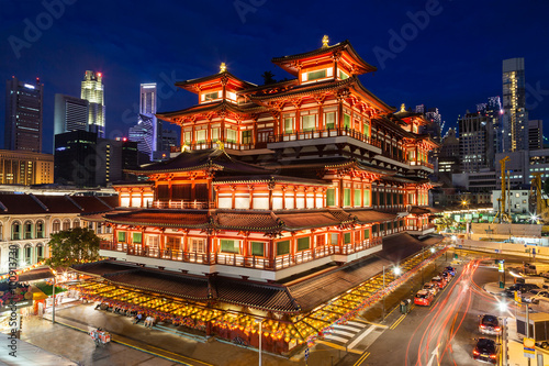 Fototapety, obrazy: Night View of a Chinese Temple in Singapore Chinatown