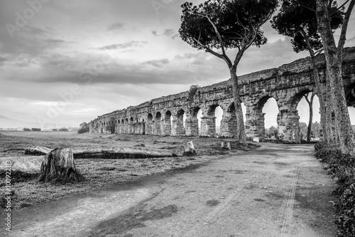 Obraz na płótnie Ruiny w czerni i bieli