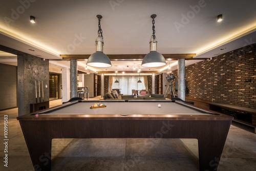 Carta da parati Interior of a luxury living room with billiard table
