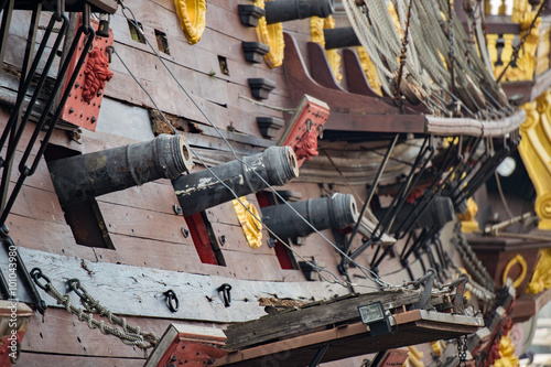 Foto op Canvas Schip iron cannon on sail ship