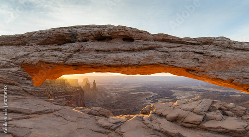 Poster Cappuccino Sunrise at Mesa Arch in Canyonlands National Park