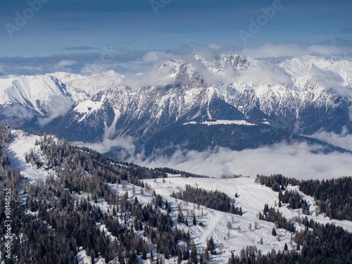 Foto op Plexiglas Arctica A view of the Alpine landscape in the winter season in Nassfeld