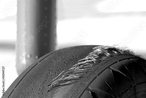 Valokuva  abgefahrener Reifen
