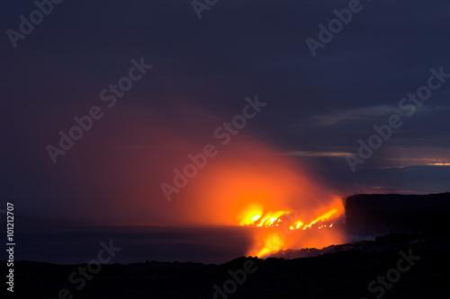 Deurstickers Vulkaan Lava flowing into the ocean