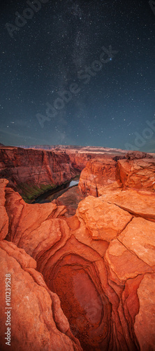 Tuinposter Baksteen Grand Canyon at night