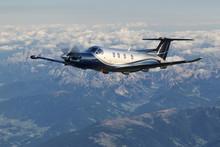 Single Turboprop Aircraft, Landing Aircraft