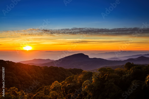 Poster Marron chocolat Doi Inthanon National park in the sunrise at Chiang Mai Province