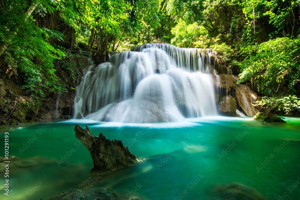 Fototapeta Huay Mae Khamin waterfall in tropical fprest, Thailand