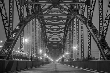 FototapetaHistorische Stahlträgerbrücke über die Elbe in Hamburg