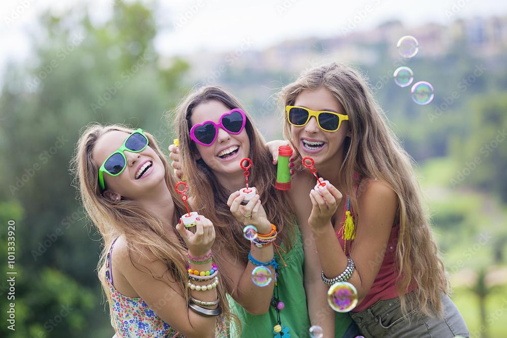 Obrázek dospívajících
