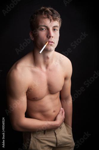 Junge 15 nackt