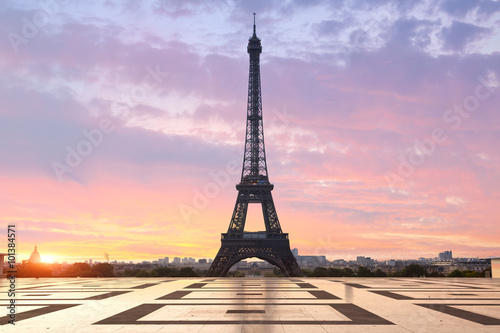 Paris, Eiffel tower at sunrise