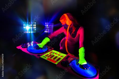 Foto  Sexy Neon-UV-Leuchten DJ