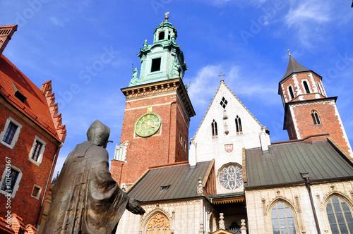 Krakau - Statue von Papst Johannes Paul II. im Wawel-Schloss Canvas Print