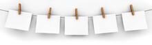 Fünf Zettel Mit Wäscheklammern Aufgehängt