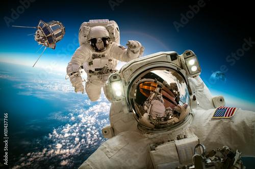 Keuken foto achterwand Nasa Astronaut in outer space