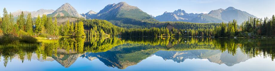 Wysokiej rozdzielczości panorama jeziora w Strbske Pleso, Wysokie Tatry, Słowacja