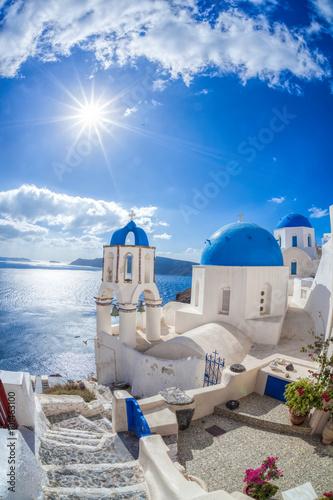 Obraz Wioska Oia na wyspie Santorini w Grecji - fototapety do salonu