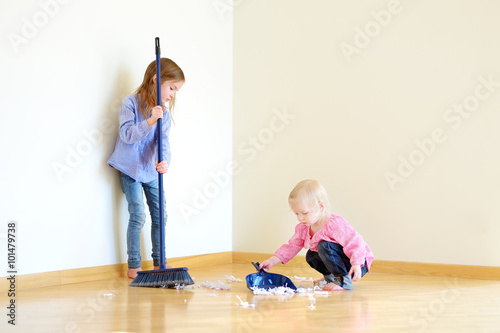 Brilliant Two Cute Girls Helping Her Mom To Clean Up Kaufen Sie Download Free Architecture Designs Viewormadebymaigaardcom