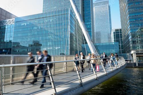 Foto auf AluDibond Bahnhof Movement of people in rush hour, london train station