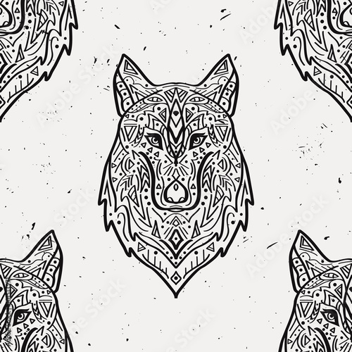 wzor-z-wilkiem-w-stylu-etnicznymi-z-ornamentami