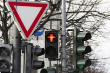 Traffic Light, City, Red Light, Street, Chaotic, Chaos, Triangle, Transit, Thoroughfare, Smashup, Traffic Sign