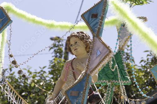 Fotografiet  religion, pundit, holy, saint, saintly, sainted, sacred, altar, procession, ritu