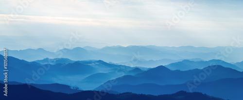 Foto auf Gartenposter Gebirge Layers of mountain
