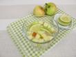 Detox-Wasser mit Apfel und Zitrone
