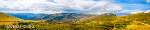 Spoed Foto op Canvas Blauwe hemel Carpathian mountains panoramic