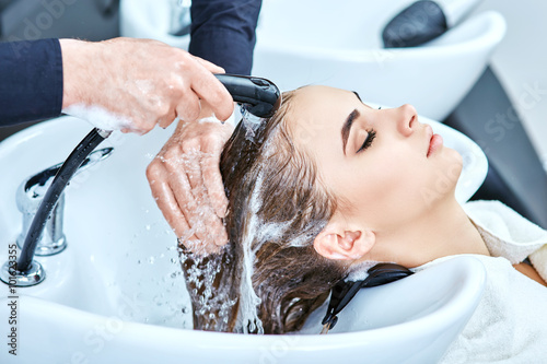 shampoo for hair, beauty salon, hair wash Slika na platnu