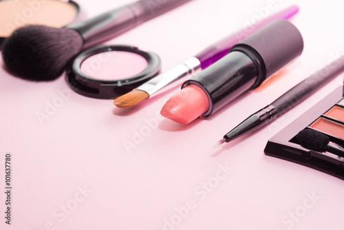 Fotografía  Make-up products and tools