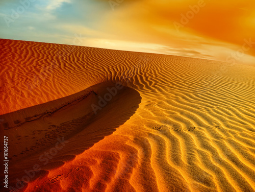 Poster Droogte Sunset over the Sahara Desert