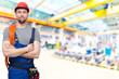 professional industry worker // Portrait eines Monteurs in der einer Industriehalle