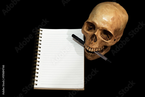 Fotografie, Tablou  Skull note taking, Clipping path