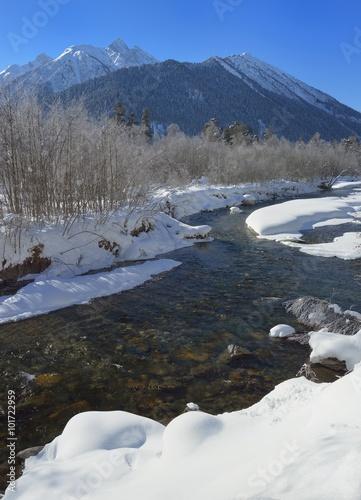 Printed kitchen splashbacks Glaciers River in winter