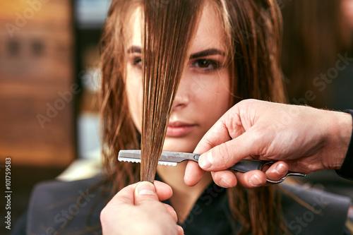 strzyzenie-damskie-fryzjer-salon-pie