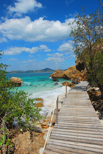 fototapeta na ścianę Woodbridge, walkway beside the sea, sight seeing, Koh Kham, Cholburi, Thiland