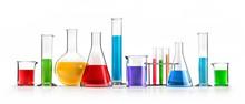 Farbige Chemiegläser In Reihe