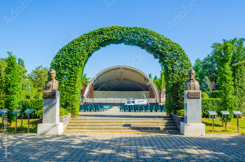 Fotografie, Obraz  open air theater in romanian city timisoara is surrounded by a rose park
