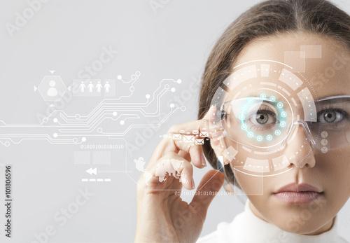 Fotografie, Obraz  Futuristické inteligentní brýle