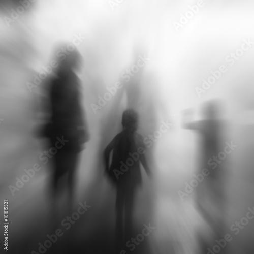 Photo  silhouettes entre ombre et lumière